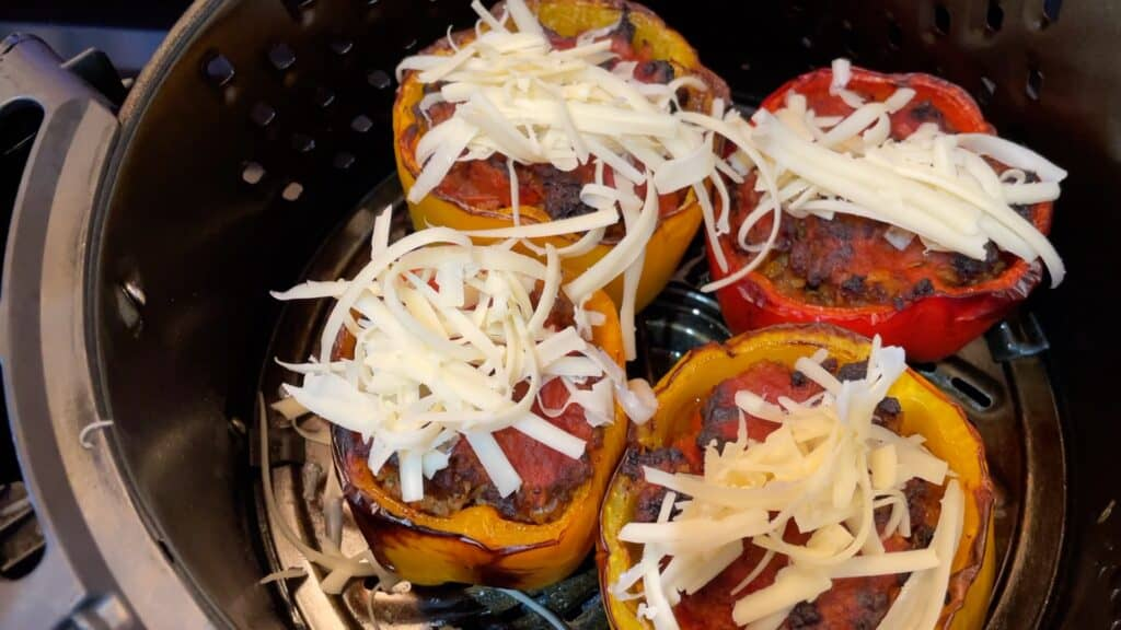 Topping peppers with mozzarella