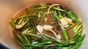 garlic chili and asparagus