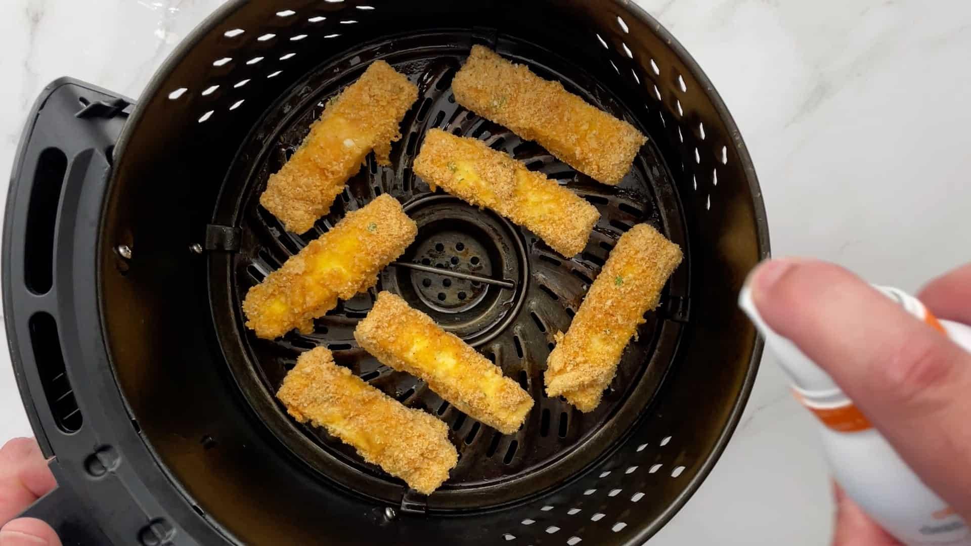 mozzarella sticks in air fryer basket
